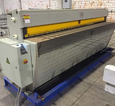 Automatic wire Mesh Cutting Machine